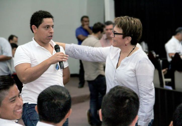 Laura Beristain dijo que es importante ofrecer a los jóvenes educación universitaria gratuita. (Cortesía)