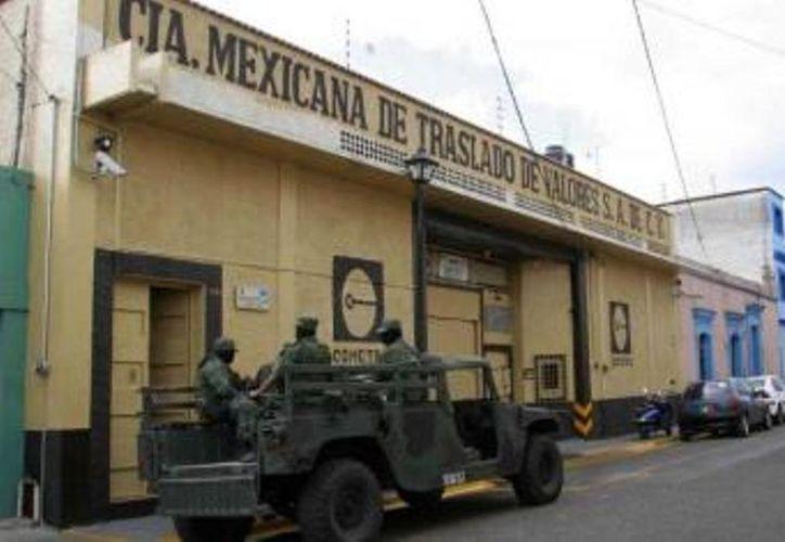 Las unidades de transporte de valores serán custodiadas por la Policía Municipal Preventiva (PMP) y el Ejército Mexicano. (Juan Palma/SIPSE)