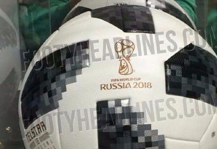 La presentación de la pelota será en el sorteo del Mundial en Moscú. (Foto: Footy Headlines)