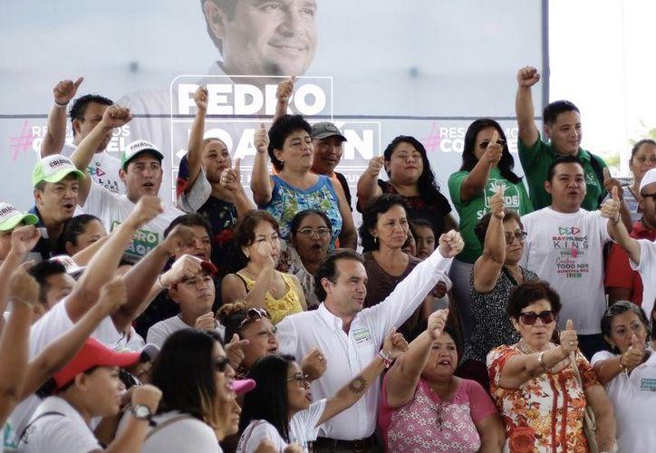 """""""La conservación y el cuidado del medio ambiente no chocan con el desarrollo económico y social que estamos impulsando para que recuperemos Cozumel"""", dijo el candidato. (Redacción/SIPSE)"""