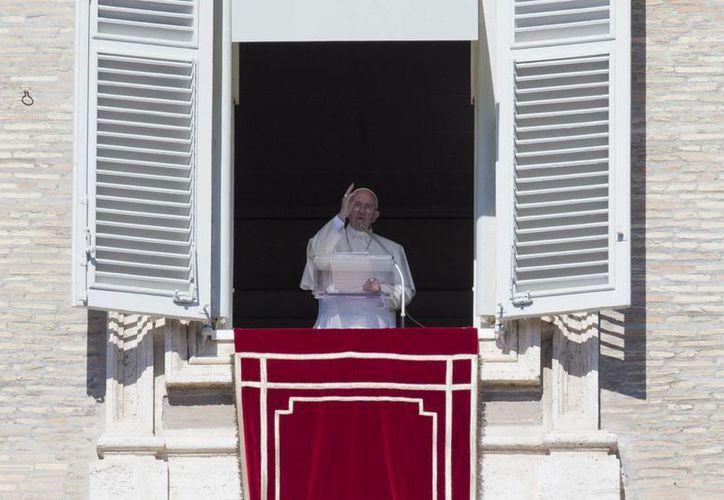 El Papa Francisco condenó este domingo los atentados terroristas que han dejado al menos 95 muertos en Turquía. (AP)
