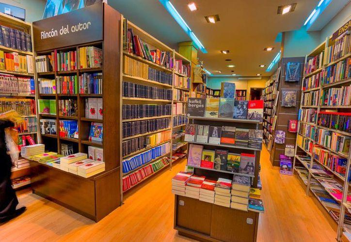 Los libros de dinosaurios y princesas son los que permanentemente tienen una venta mantenida. (Contexto/Internet)