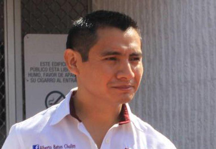 Alberto Batum debe renunciar a su cargo actual. (Luis Soto/SIPSE)