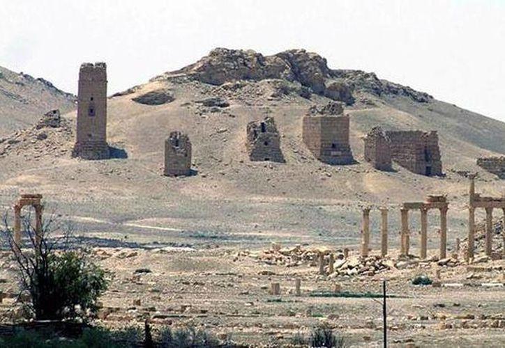 Imagen de archivo publicada por la agencia siria de noticias SANA, donde muestra una vista de la antigua ciudad romana de Palmira, al noreste de Damasco, Siria. Estado islámico atacó a sitios históricos en Siria. (Foto SANA via AP, archivo)