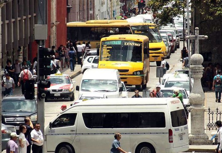 El transporte es uno de los problemas principales de Mérida, al cual ninguna administración ha logrado ponerle un freno. (SIPSE)