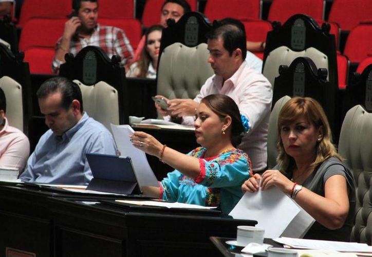 Los diputados de la Legislatura podrán ser reelectos por un período adicional. (Ángel Castilla/SIPSE)