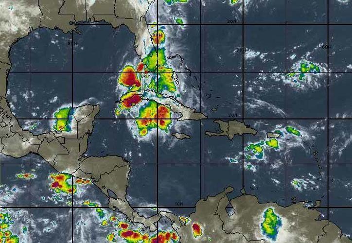 El Ingreso de humedad del Mar Caribe sobre la Península de Yucatán, propiciará lluvias menores a 25 mm en Campeche, Yucatán y Quintana Roo. (Intellicast)