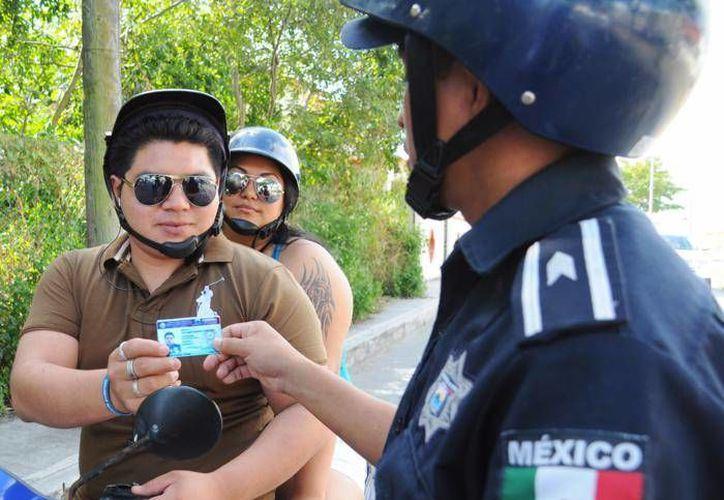 Se han detenido a 216 personas por infringir en faltas menores. (Redacción/SIPSE)