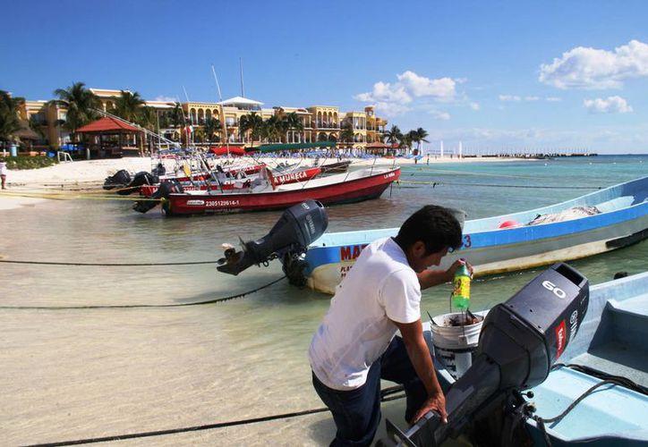 Los pescadores reportan que 2014 les dejó pérdidas millonarias. (Octavio Martínez/SIPSE)