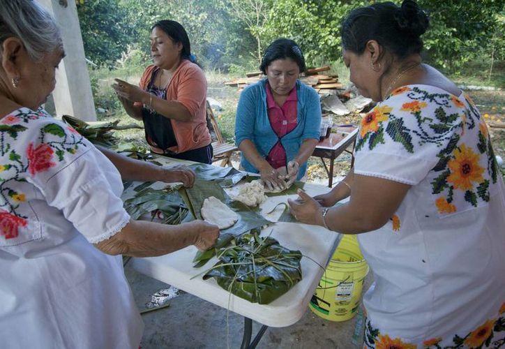 En Yucatán las mujeres todavía mantienen muchos rezagos en comparación con los hombres. (Notimex)