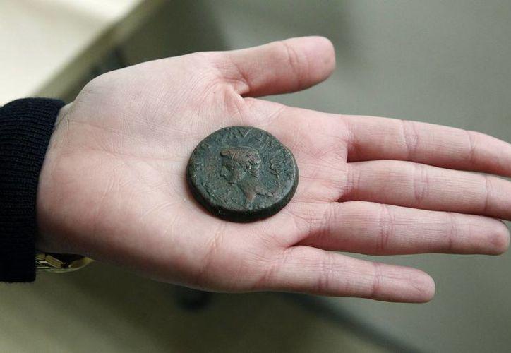 Las monedas fueron a parar a un receptador, un joyero de Madrid propietario de tres establecimientos de compraventa de oro. (EFE)