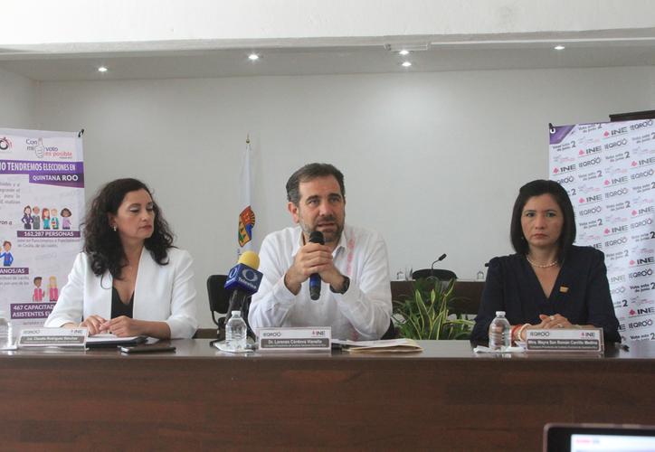El presidente consejero del INE, Lorenzo Córdova, aclaró que los gobiernos y funcionarios no pueden intervenir en las elecciones con financiamiento. (Daniel Tejada/SIPSE)