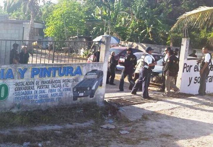 El convoy de patrullas, visitó cerca de ocho establecimientos, entre los que se encuentran talleres mecánicos. (Jacvier Ortiz/SIPSE)