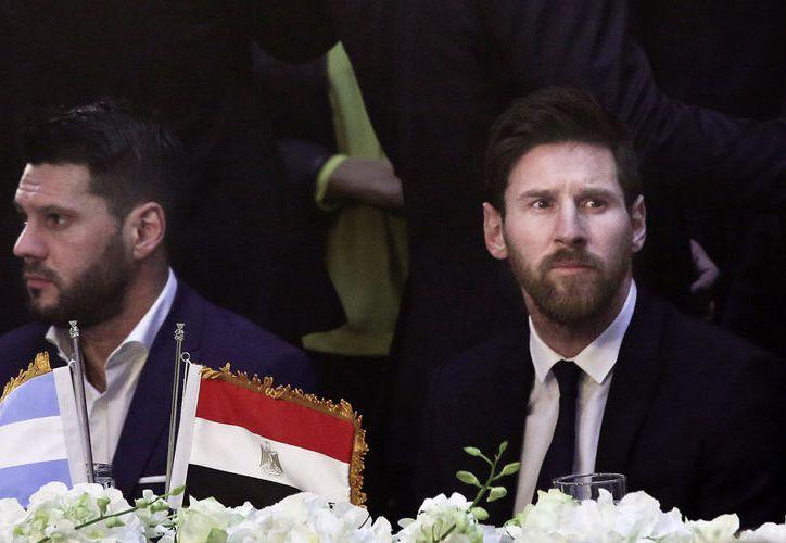 De acuerdo con el arqueólogo, Lionel Messi no mostró pasión en su visita a las pirámides de Giza, el mes pasado. (Archivo/AP)