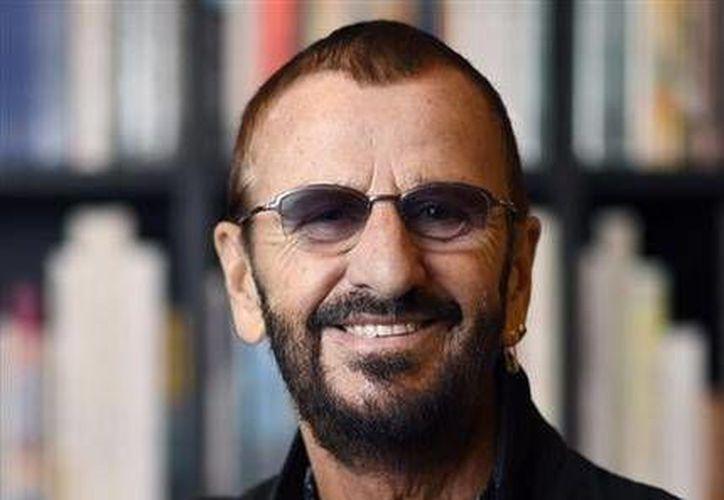 Una batería que Ringo Starr utilizó en la grabación de algunos de los primeros éxitos de los Beatles fue vendida en 2.2 millones de dólares en una subasta al dueño del equipo Colts de Indianapolis, Jim Irsay. (AP)