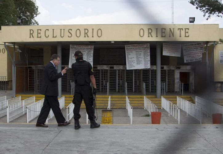 En 1998, 'El Fugas' se escapó del Reclusorio Oriente de la Ciudad de México. Esa fue la segunda ocasión en que lograba huir de la autoridad. (elsemanario.com)