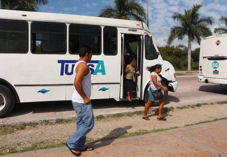 El Ayuntamiento promoverá la entrada de una empresa más para dar el servicio de transporte público en Playa del Carmen. (Adrián Barreto/SIPSE)