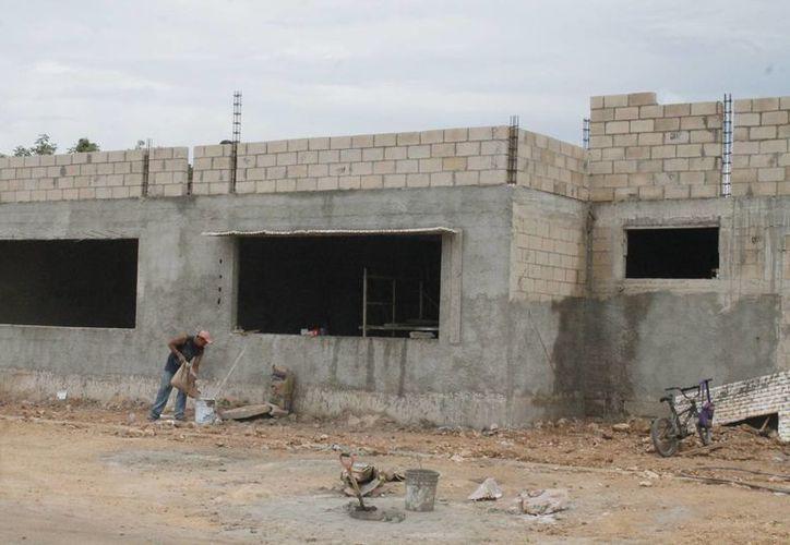 Construcción de nuevos planteles de nivel básico en el municipio de Benito Juárez. (Israel Leal/SIPSE)