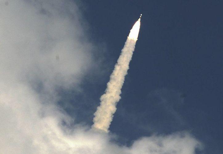 Despegue de la aeronave Mangalyaan, de la Organización India de Investigación Espacial. (EFE)