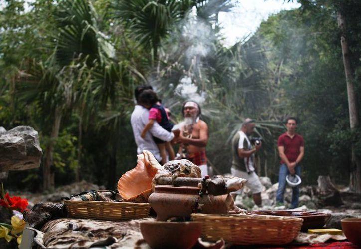 Por primera vez se realizó una ceremonia de cambio de estación en los vestigios arqueológicos cercanos al predio de Calica. (Octavio Martínez/SIPSE)