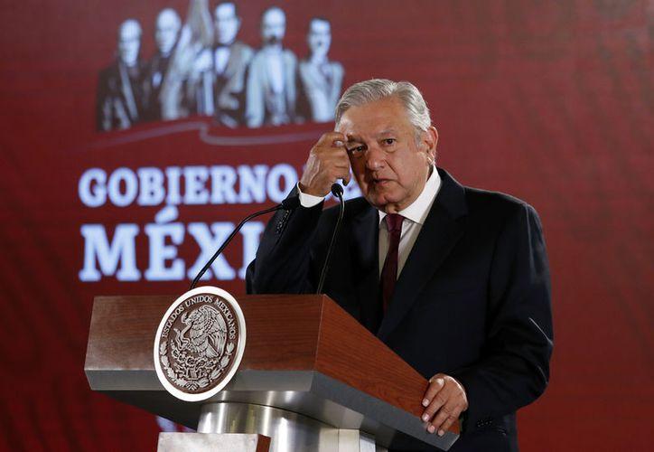 El Mandatario insistió en acabar con la corrupción en el sector educativo. (Foto: Notimex/Arturo Monroy)