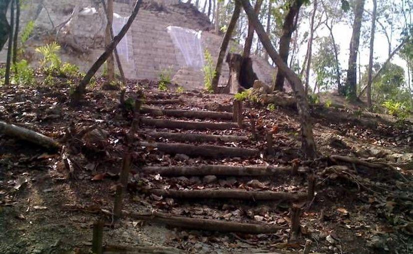 Empresarios locales han fincado sus esperanzas en integrar este sitio arqueológico en una serie de proyectos turísticos. (Archivo/SIPSE)