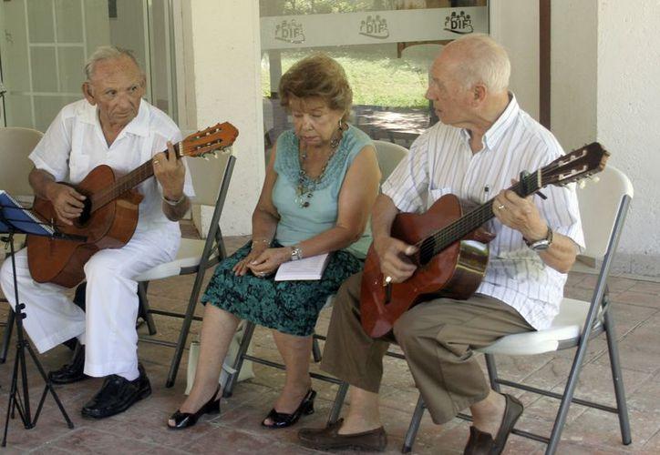 Alzheimer se caracteriza por la pérdida progresiva de la memoria y de otras capacidades mentales. (Tomás Álvarez/SIPSE)