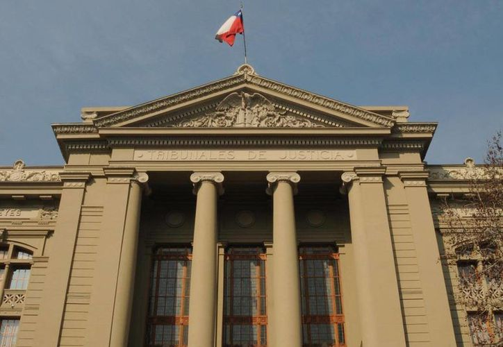 La justicia chilena sentó en el banquillo a 16 exmilitares acusados de torturas en el año de 1973. (vcc.cl)