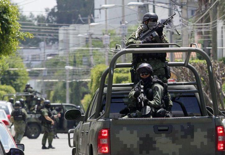 Integrantes del Ejército mexicano durante una operación de seguridad en Guadalajara. (EFE/Archivo)