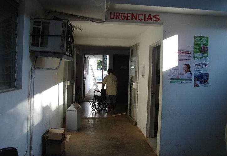 El Hospital Integral no ha cambiado en nada, la negligente atención persiste, aseguran los pacientes moreleneses. (Carlos Yabur/SIPSE)