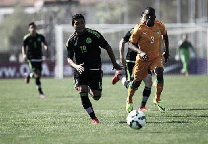 El único gol de México, con el que empató 1-1 ante Costa de Marfil en su primer partido en el torneo Esperanzas de Toulon, fue obra del defensa Carlos Guzmán. (vavel.com)