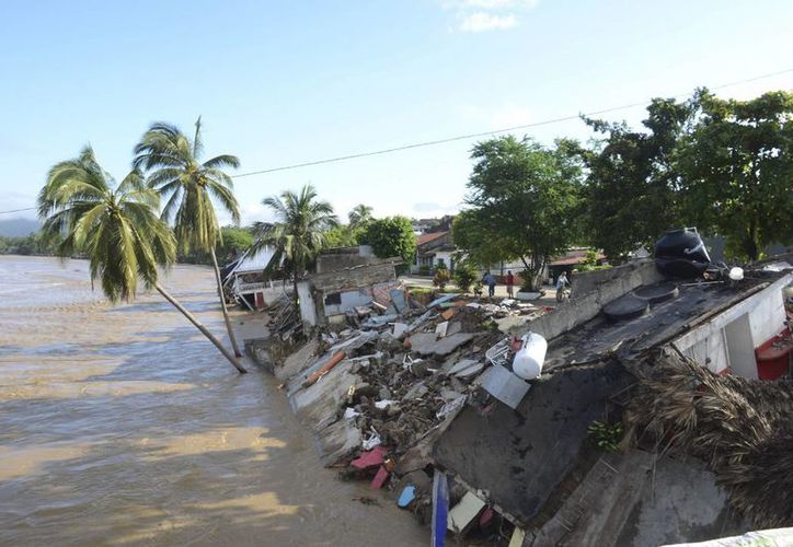 Culiacán, Navolato, Angostura, Mocorito y Salvador Alvarado son los municipios de Sinaloa donde se reportan los principales daños por Manuel. (Agencias)