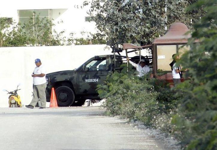 El Country Club Mérida estuvo vigilado por el Ejército. (Milenio Novedades)