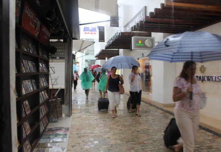Ayer inició la Temporada de Huracanes; fue el segundo de dos días de lluvias intermitentes en la ciudad.  (Luis Ballesteros/SIPSE)