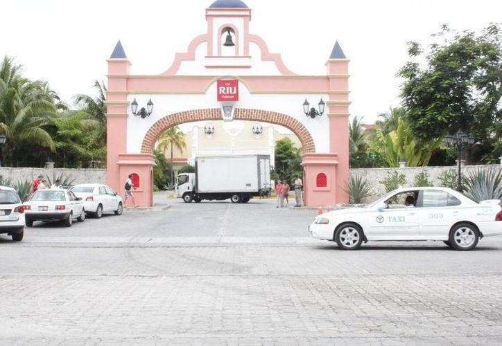 La cadena hotelera cuenta con seis hoteles en este destino, por lo que los trabajadores se instalarán en otros. (Adrián Barreto/SIPSE)