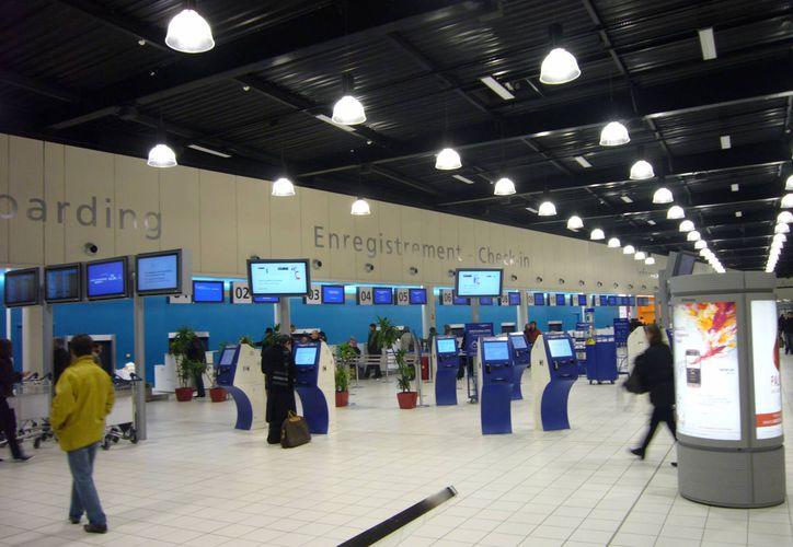 La mayoría de los vuelos cancelados de EasyJet tienen su origen en París. En la imagen, el aeropuerto Charles de Gaulle, el más importante de la capital francesa. (charlesdegaulleairport.co.uk)