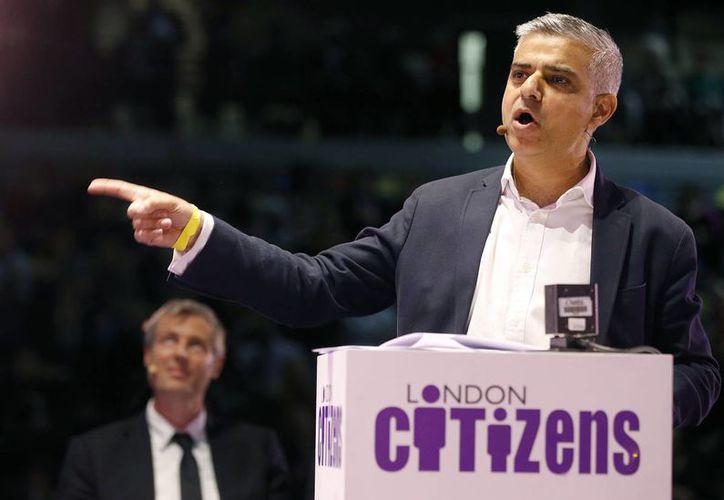 Sadiq Khan, candidato del Partido Laborista,se convierte en el primer político musulmán en ganar la alcaldía de Londres. (AP)
