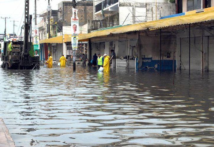 Las afectaciones más fuertes por lluvias de la perturbación tropical se presentaron en el oriente de Yucatán y el norte de Quintana Roo, a donde corresponde la foto. (SIPSE)