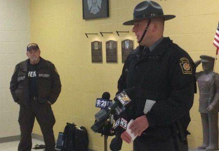 Las autoridades ofrecieron una conferencia de prensa para dar a conocer los detalles de lo sucedido. (Steve Marroni/PennLive)