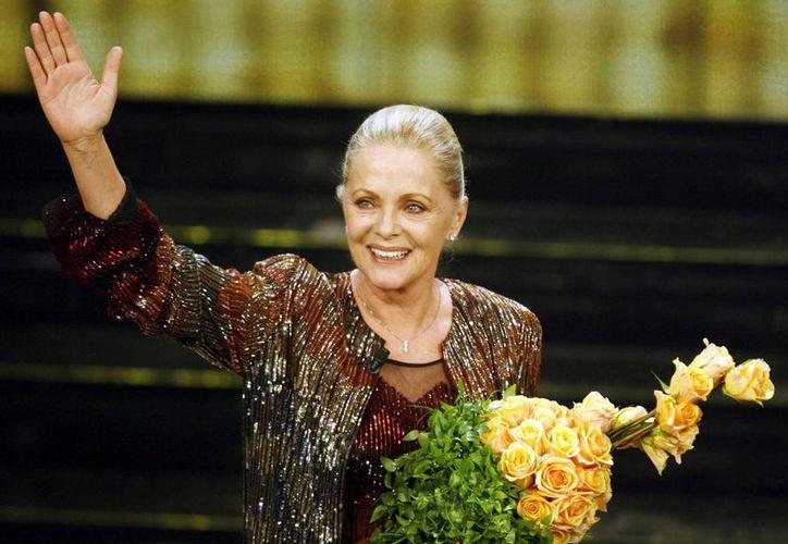 Imagen del 2006 en la que se ve a la actriz Virna Lisi durante el 'Festival di Sanremo', concurso de canciones italianas, en San Remo, Italia. (Agencias)