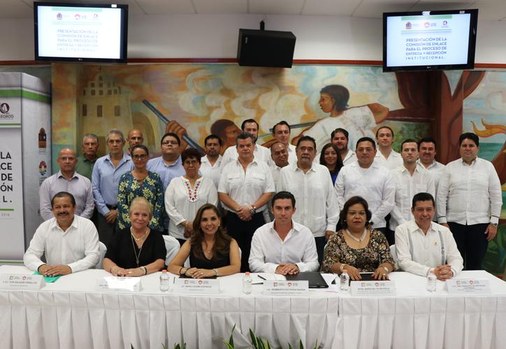 el 1 de octubre, el gobierno de Lezama Espinosa tomará el cargo y en este proceso, el gobierno actual debe presentar el informe de entrega-recepción; con temas como finanzas, transparencia y seguridad. (Redacción/SIPSE)