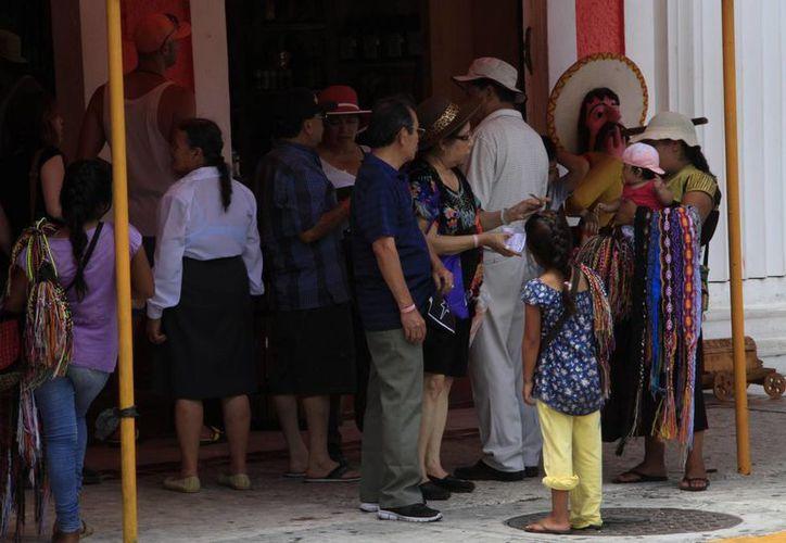 La estancia promedio del visitante nacional en los centros de hospedaje del centro es de tres noches. (Victoria González/SIPSE)