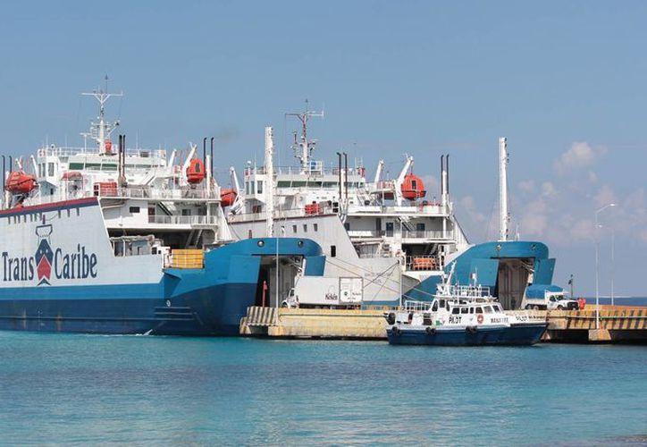 La empresa Transbordadores del Caribe  anunció que hoy martes aplica una nueva tarifa en el servicio de transporte de carga y vehículos. (Gustavo Villegas/SIPSE)