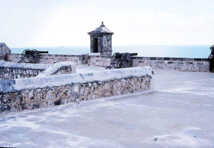 Varios encargados de módulos turísticos de Yucatán visitaron atractivos de la ciudad de Campeche. (Milenio Novedades)