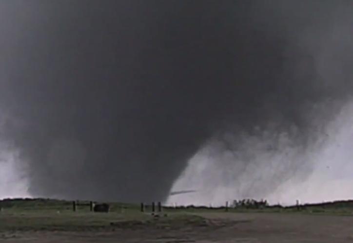 Un tornado dejó una estela de destrucción en Texas durante el fin de semana.  (Texas Hill Country)