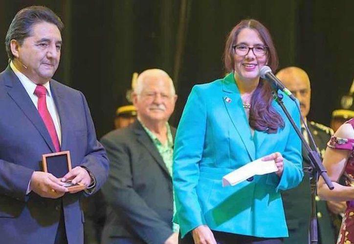 La Secretaría de Relaciones Exteriores reconoce labor de Karen Lozano en la ciencia (Foto: El Mañana)