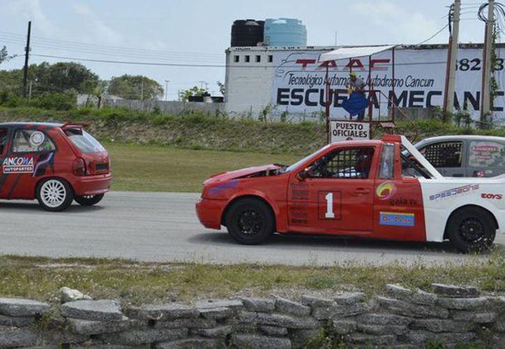En este campeonato 2016 el tercer lugar lo ocupa Carlos Martínez Muzquiz. (Contexto/SIPSE)