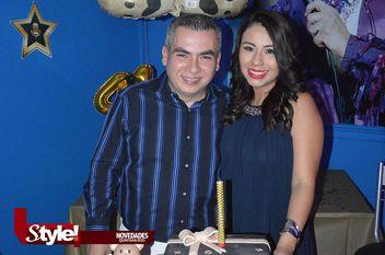 Divertido festejo para Alex González