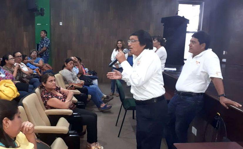 Los docentes expusieron su inconformidad en el auditorio de la Segey. (Foto: Milenio Novedades)