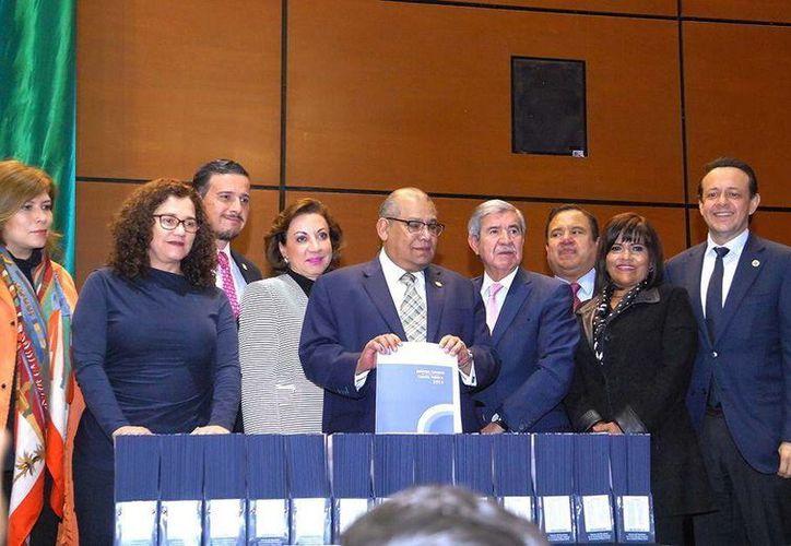 Ante la Cámara de Diputados de Yucatán se dio a conocer el informe del resultado de la Fiscalización Superior de la Cuenta Pública 2015. (Foto cortesía)